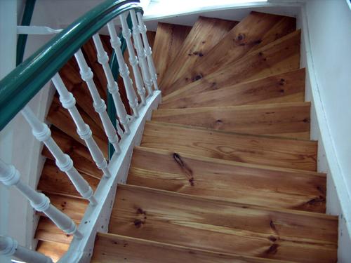 Treppen Renovieren Holz Holz Treppenstufen Schleifen Und Lackieren